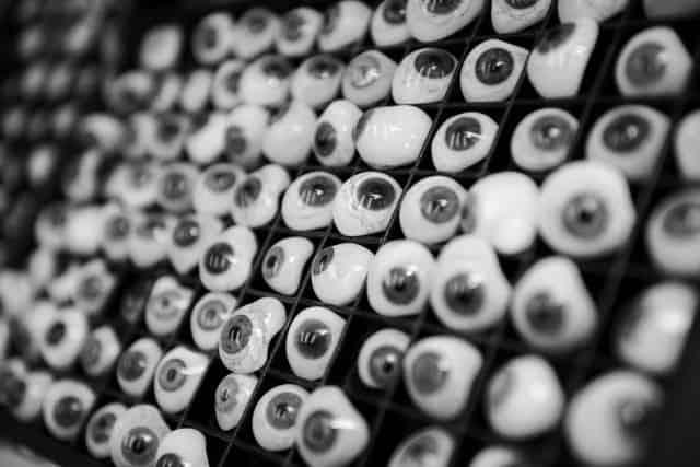 Process-eyeball-tray